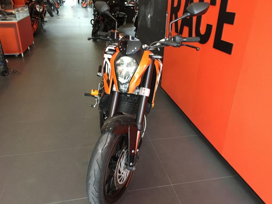 KTM DUKE 200 4