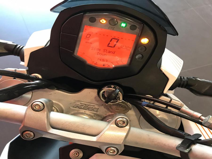 KTM DUKE 390 3