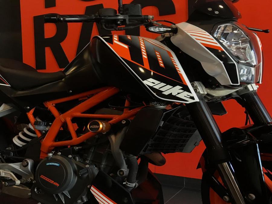 KTM DUKE 390 4